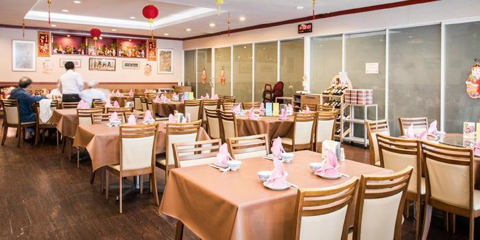 Dining Area of Ruenros Rama3 at Bangkok Square Rama3 Bang Phong Phang, Yan Nawa Bangkok