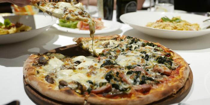 Signature Pizza from Beccofino Italian Restaurant at 90 Soi Thong Lor Khlonton Nua, Wattana Bangkok