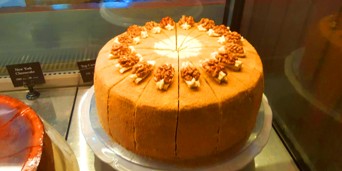 Top Carrot Cake from Holey Bakery Suanplu at 39/17 Suan Phlu Khwaeng Thung Maha Mek, Sathon Bangkok