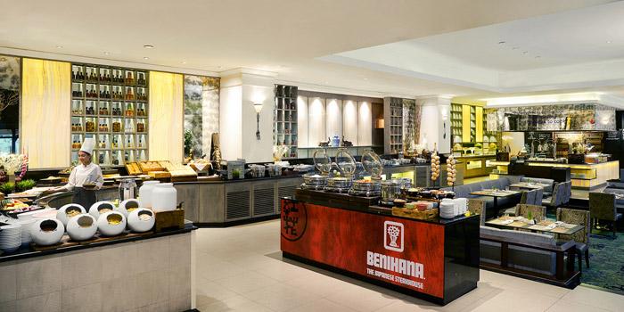 Ambience  of Public Restaurant at Avani Atrium Bangkok Hotel 1880 New Petchaburi Rd, Bang Kapi Huai Khwang, Bangkok