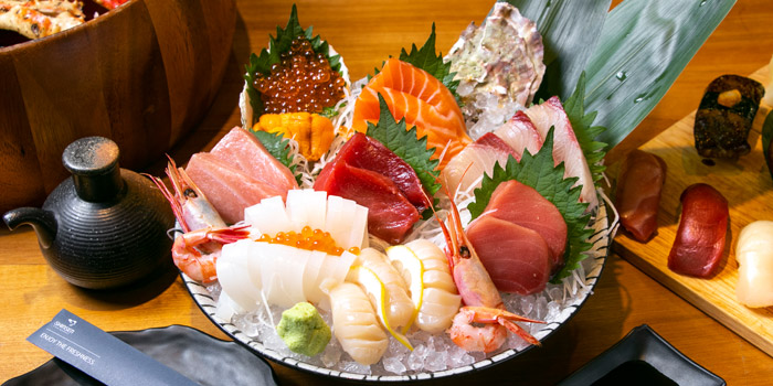 Tsukiji Sashimi Set from Shinsen Fish Market at 163/6 Soi Sukhumvit 39 Klongton Nua, Wattana Bangkok