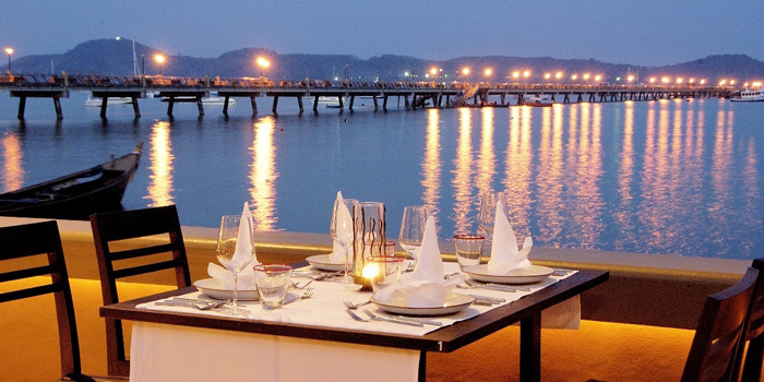 Ambiance of Kan Eang@pier in Chalong, Phuket, Thailand