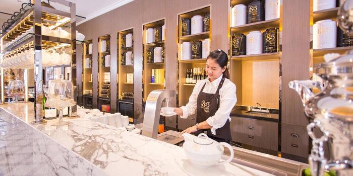 Entrance of 1823 Tea Lounge by Ronnefeldt at Gaysorn Plaza G/F, 999 Phloen Chit Rd Bangkok