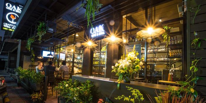 Ambience of Oak Wine and Grill at 585/4 Charoan Rat Road Bang Kloe, Bang Kho Laem Bangkok