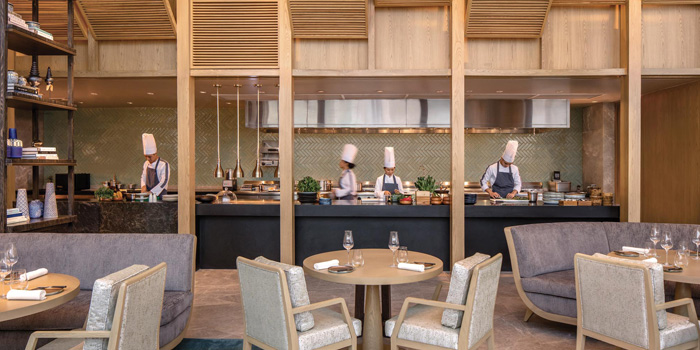 Ambience of Front Room at Waldorf Astoria Bangkok Lower Lobby, 151 Ratchadamri Road Bangkok