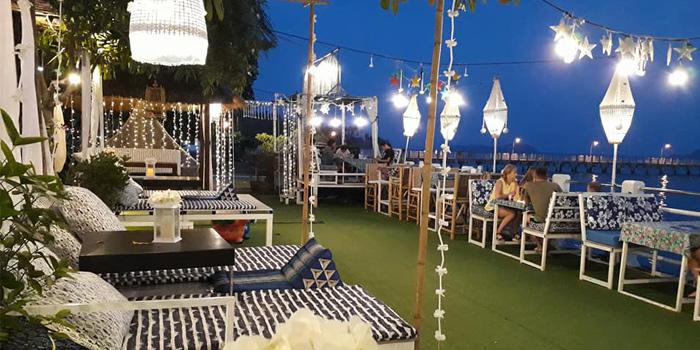 Atmosphere of Fish Bar & Restaurant in Rawai, Phuket, Thailand