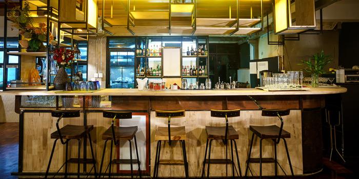 Bar Area of Kinnaree Gourmet Thai at 43 Soi Sukhumvit 8 Khwaeng Khlong Toei, Khet Khlong Toei Bangkok