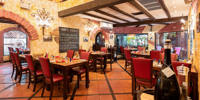 Dining Area of Rossano