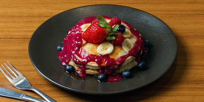 Mixed Berry Pancakes from 18 Hours @ Keong Saik in Keong Saik, Singapore