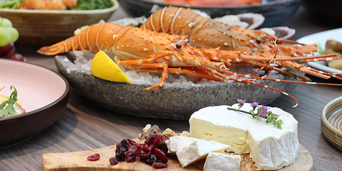 Fresh Seafood from Clove at Swissotel The Stamford in City Hall, Singapore