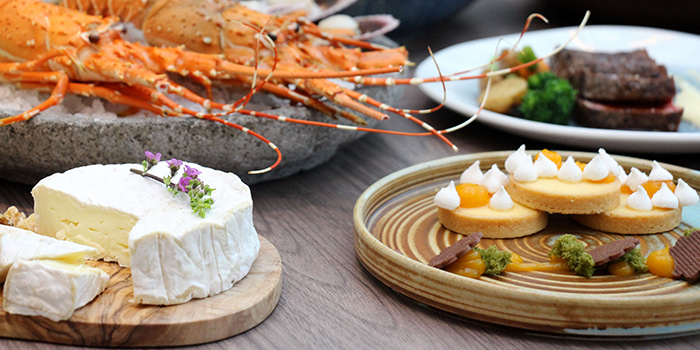 Seafood Spread from Clove at Swissotel The Stamford in City Hall, Singapore