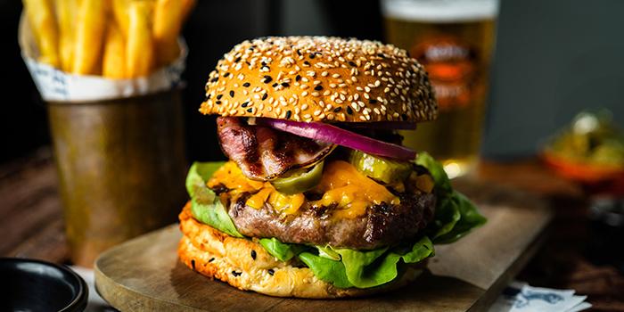 Grill Signature Burger from The Market Grill at Telok Ayer in Raffles Place, Singapore