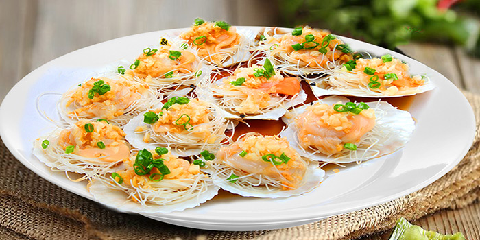 Steamed Fan Shell Scallop from Tian Wei Seafood in Yio Chu Kang, Singapore