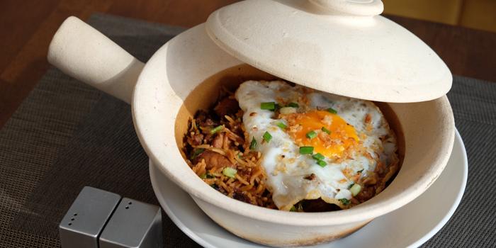 Chicken Clay Pot from Makan Makan at 168/1 Sukhumvit Soi 16 Khlong Toei, Klong Toey Bangkok