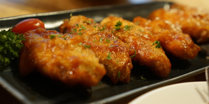 Chicken Wings from Lick Lips Bistro x Grill Bar at 379/8 Sukhumvit 63, Ekkamai Rd Khlongton Nua, Wattana Bangkok