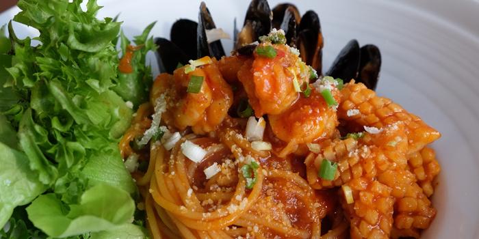 Seafood Pasta from Makan Makan at 168/1 Sukhumvit Soi 16 Khlong Toei, Klong Toey Bangkok