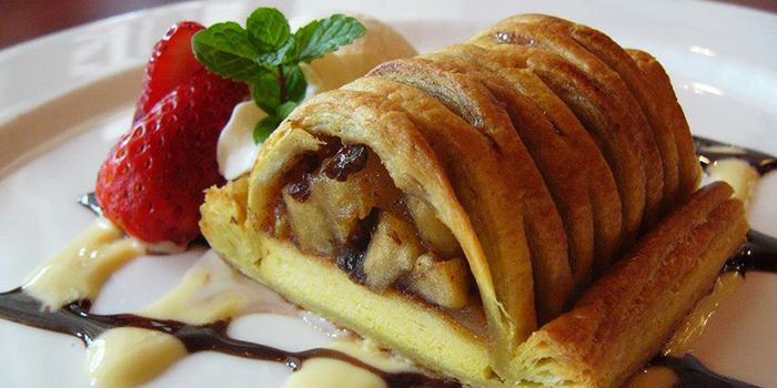 Apple Strudel from The Tavern Restaurant in River Valley, Singapore
