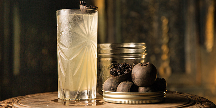 Black lime fennel seed Rickey from Rogue Trader in Little India, Singapore