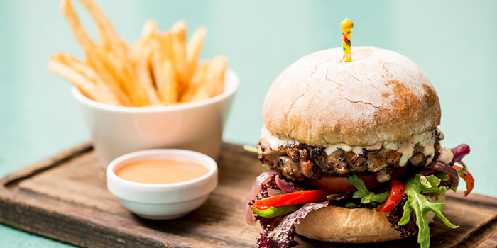 Burger with Frites, Rummin
