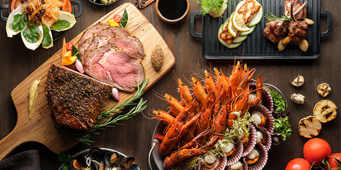 Meat and Sea Buffet Spread from Café Mosaic at Carlton Hotel in City Hall, Singapore