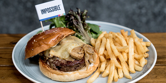Impossible Juicy Lucy Quarter Pounder from Oriole Coffee + Bar at Pan Pacific Serviced Suites in Orchard, Singapore