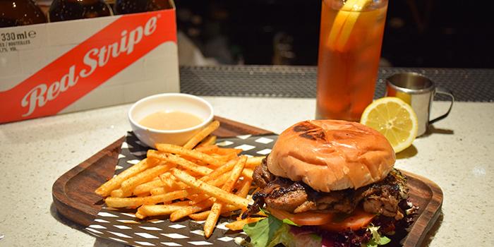 Jerk Chicken Burger, Rummin