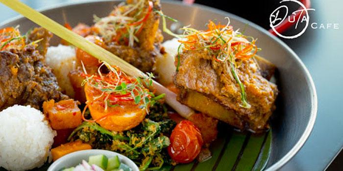 Duta Café at Holiday Inn & Suites Jakarta Gajah Mada