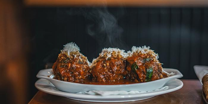 Meatballs in Sunday Sauce, Alvy