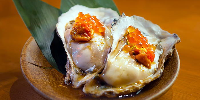 Oyster topped with Sea Urchin and Salmon Roe in Ponzu Sauce from Minka at Oxley Tower in Telok Ayer, Singapore