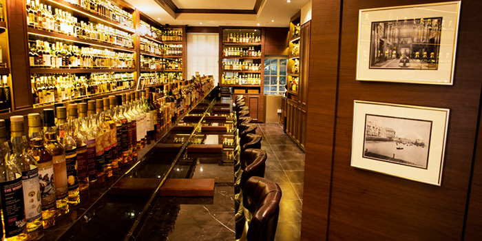 Interior of The Auld Alliance in Dhoby Ghaut, Singapore