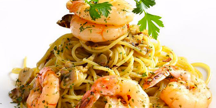 Prawn Aglio Olio from Tribe (The Arts House at Old Parliament) in City Hall, Singapore