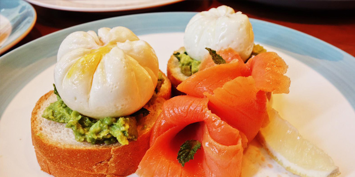 Smashed Avocado with Smoked Salmon and Poached Eggs, BRESOLA, Kennedy Town, Hong Kong