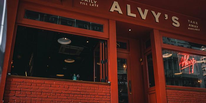 Storefront, Alvy