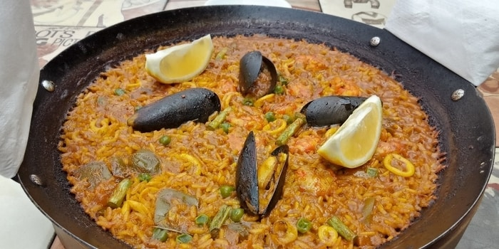 Seafood Paella (Traditional Spanish Rice with Seafood) at Plan B in Red & White (Senayan City)