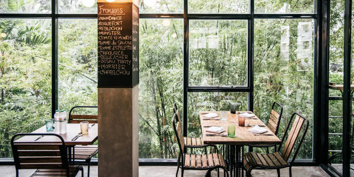 Ambience of Cagette Canteen & Deli at 15, Yenakart rd, Thunghmahamek Bangkok