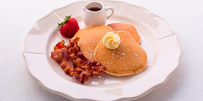 American Pancake from Butter Cup at 36 Amari Residence, New Petchaburi Rd Bang Kapi, Huai Khwang Bangkok