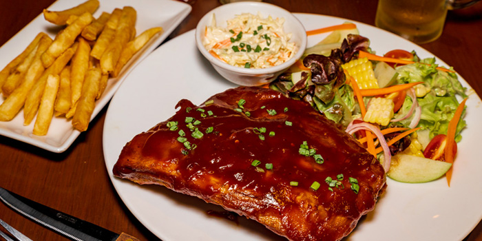 BBQ Pork Ribs from The Kiwi Pub Sports & Grill at 4/4-5 Soi Preeda, Soi Sukhumvit 8, Khlong Toei Bangkok