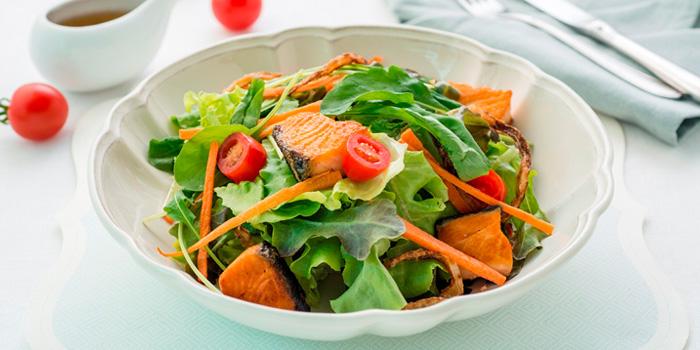 Grilled Salmon Salad from Butter Cup at 36 Amari Residence, New Petchaburi Rd Bang Kapi, Huai Khwang Bangkok
