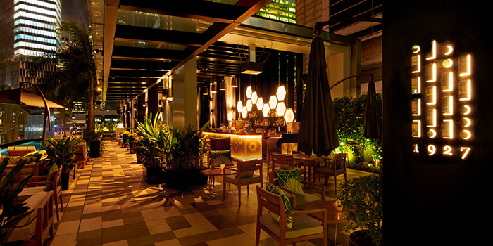 Night Seating of 1927 at SO Sofitel Singapore in Raffles Place, Singapore