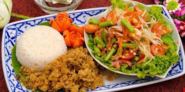Signature Dish from Ruan Songnaree at 12/20 Soi Sukhunvit 33, Sukhumvit Rd Klongton Nua, Wattana Bangkok
