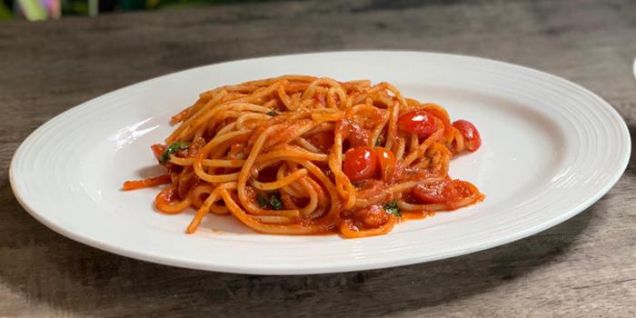 Spaghetti Pomodoro from La Scarpetta at 1495 Charoenkrung Road, Bangrak Bangkok