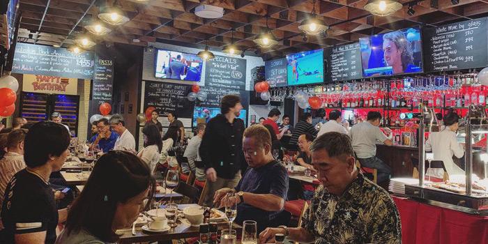 Ambience of The Steakhouse & Co. at 9/8 Patpong Soi 2 Silom, Bang Rak Bangkok