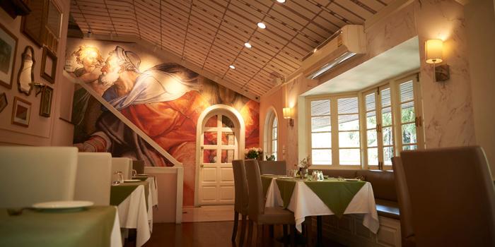 Dining Area from Nuvola Caffe Milanese at 58 Thong Lo 5 Alley Klongtan Nhua, Khet Watthana Bangkok