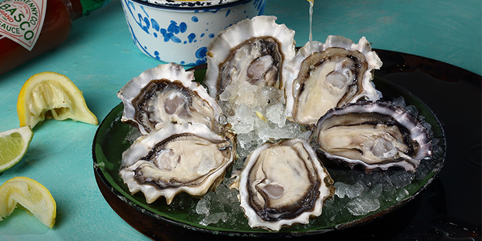 Fresh Juicy Oysters from Dancing Crab in Orchard, Singapore