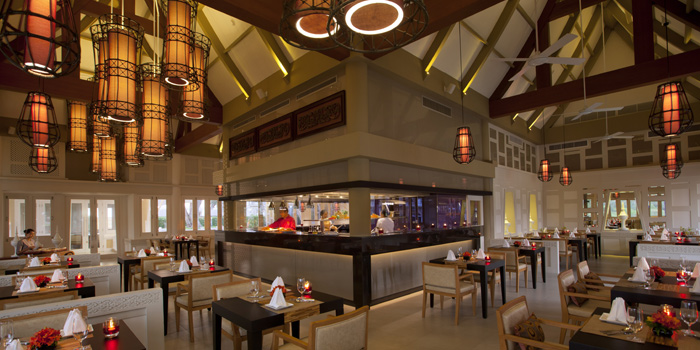 Restaurant-Atmosphere of Baan Talay in Bangtao, Phuket, Thailand.