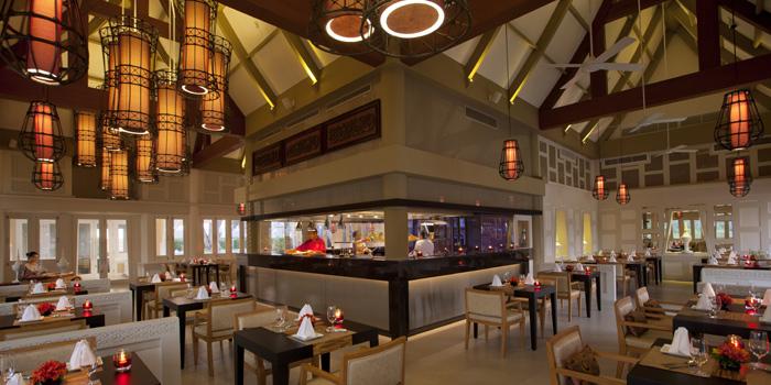 Restaurant-Atmosphere of Baan Talay in Bangtao, Phuket, Thailand.