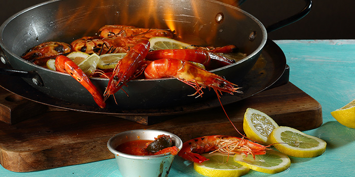 Moonshine Vodka Live Prawn from Dancing Crab in Orchard, Singapore