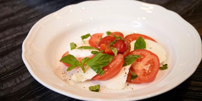 Salad Dishes from Nuvola Caffe Milanese at 58 Thong Lo 5 Alley Klongtan Nhua, Khet Watthana Bangkok