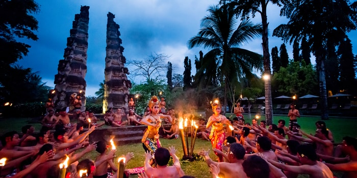 Experience Amphitheatre Kecak Dance at The Restaurant, Chedi Club Ubud