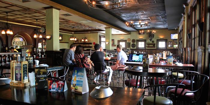 Interior 1 at Camden Bar, Cikini